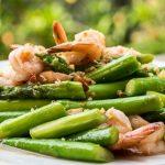 Mangiare gli asparagi